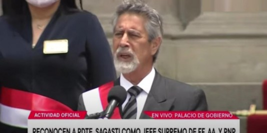 Presidente Francisco Sagasti é reconhecido como chefe supremo da FF.AA y PNP do Peru