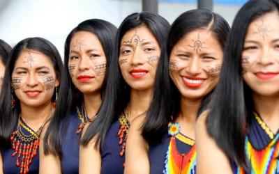 Primeira promoção de mulheres indigenas amazônicas  graduadas na polícia equatoriana