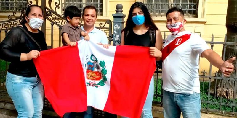 Peruanos comparecem às urnas em São Paulo - Peru 2021