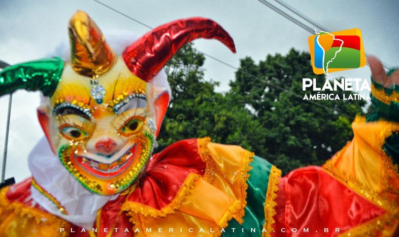 A Praça Kantuta foi palco do carnaval boliviano em SP